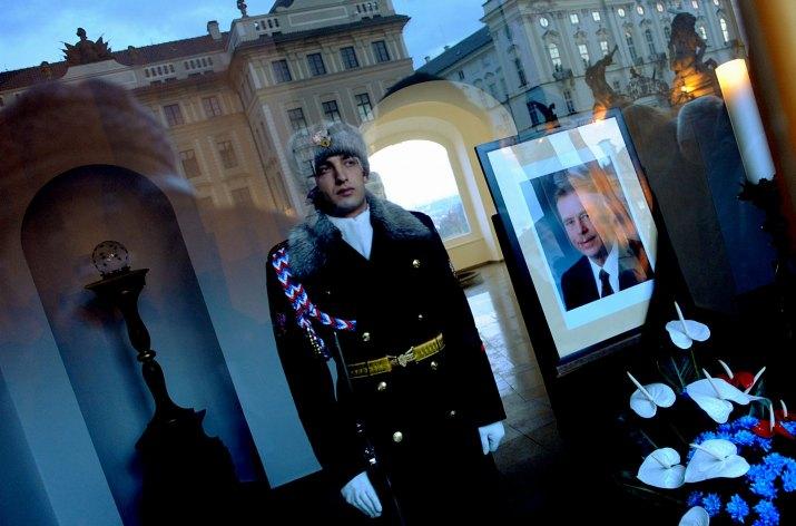 FILIP SINGER, EPA: Loučení s Václavem Havlem: Praha 18.-23.12 2011(série)